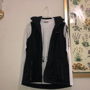 WOMENS COLUMBIA PUFFER VEST-BLACK